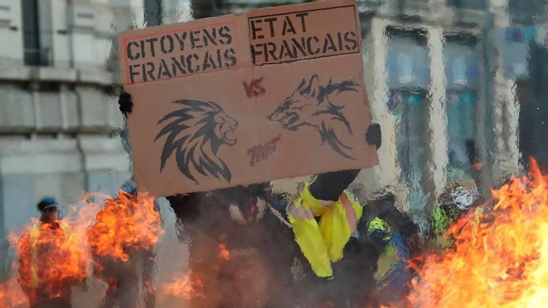 Los chalecos amarillos mantienen su protesta con el nuevo año