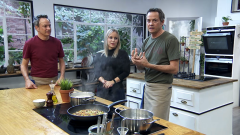 Torres en la cocina - Hojas de acelgas rellenas y merluza con limón