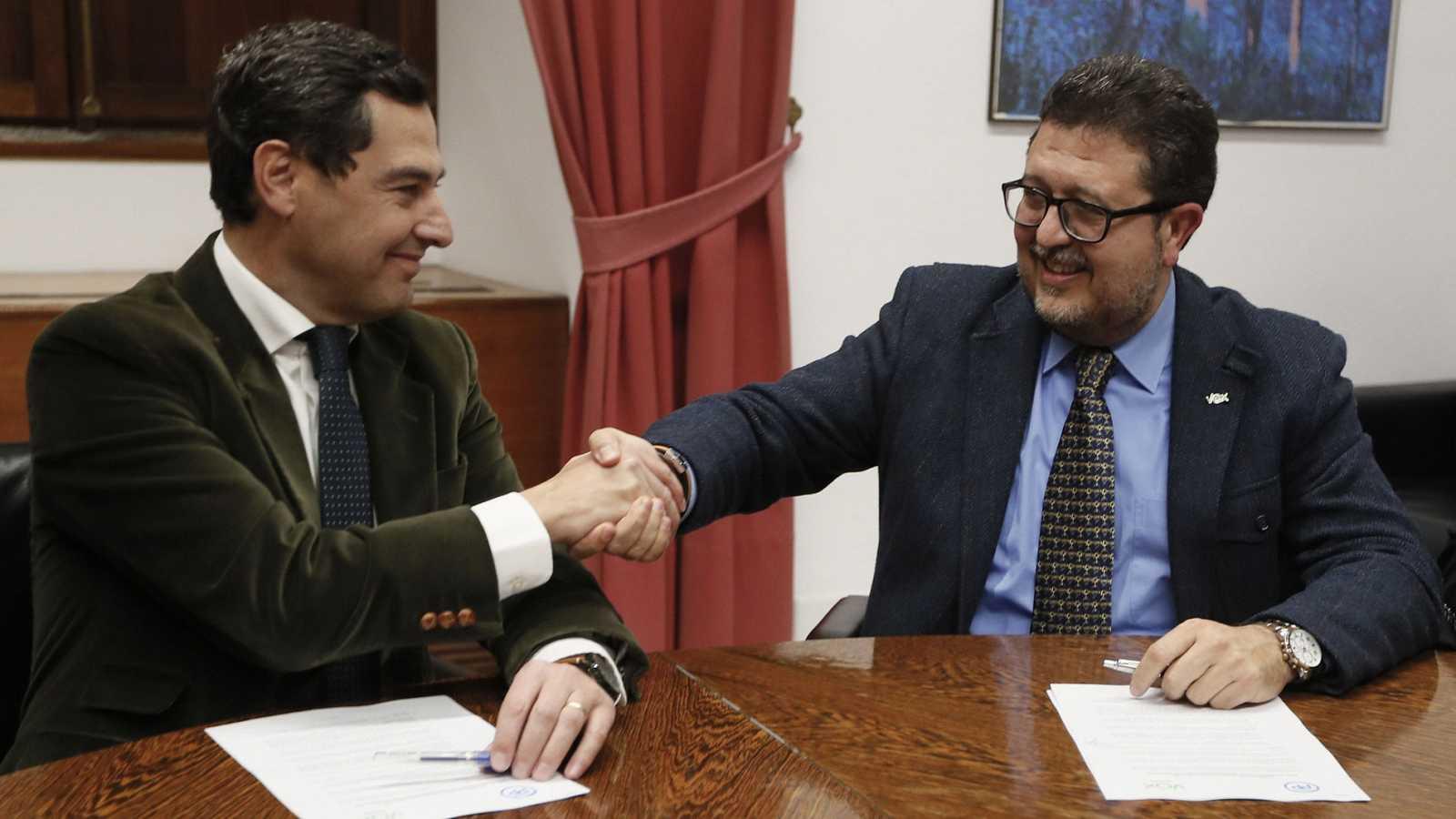 Vox apoyará la investidura de Juanma Moreno tras renunciar a algunas de sus exigencias