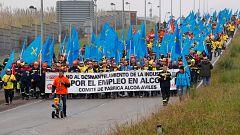 La plantilla de Alcoa en Asturias se moviliza contra los despidos