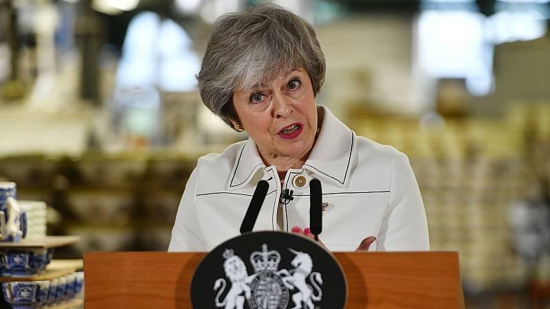 """May advierte de una """"parálisis"""" si el Parlamento británico rechaza su acuerdo del 'Brexit'"""