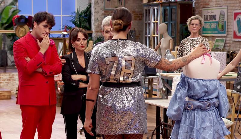 Maestros de la Costura - El vestido azul de Lara emociona a María Escoté
