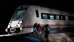 Adif y Guardia Civil apuntan al sabotaje en el accidente de tren de la línea Madrid-Zafra que descarriló en Torrijos
