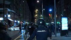 Carga policial y seis detenidos en una protesta contra un acto de Vox en Zaragoza