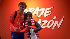 Josetxo, ganador de Masterchef Junior, cumple su sueño de conocer a la plantilla del Atlético
