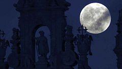"""El eclipse total de luna permite verla """"más grande y luminosa"""" que nunca"""