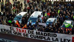 Los taxistas protestan en Madrid y en Barcelona contra la situación de las licencias VTC