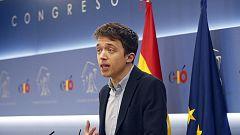 Errejón entrega su acta de diputado de Podemos en el Congreso