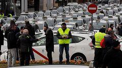 Los taxistas continúan con las protestas tras rechazar las propuestas para regular los VTC