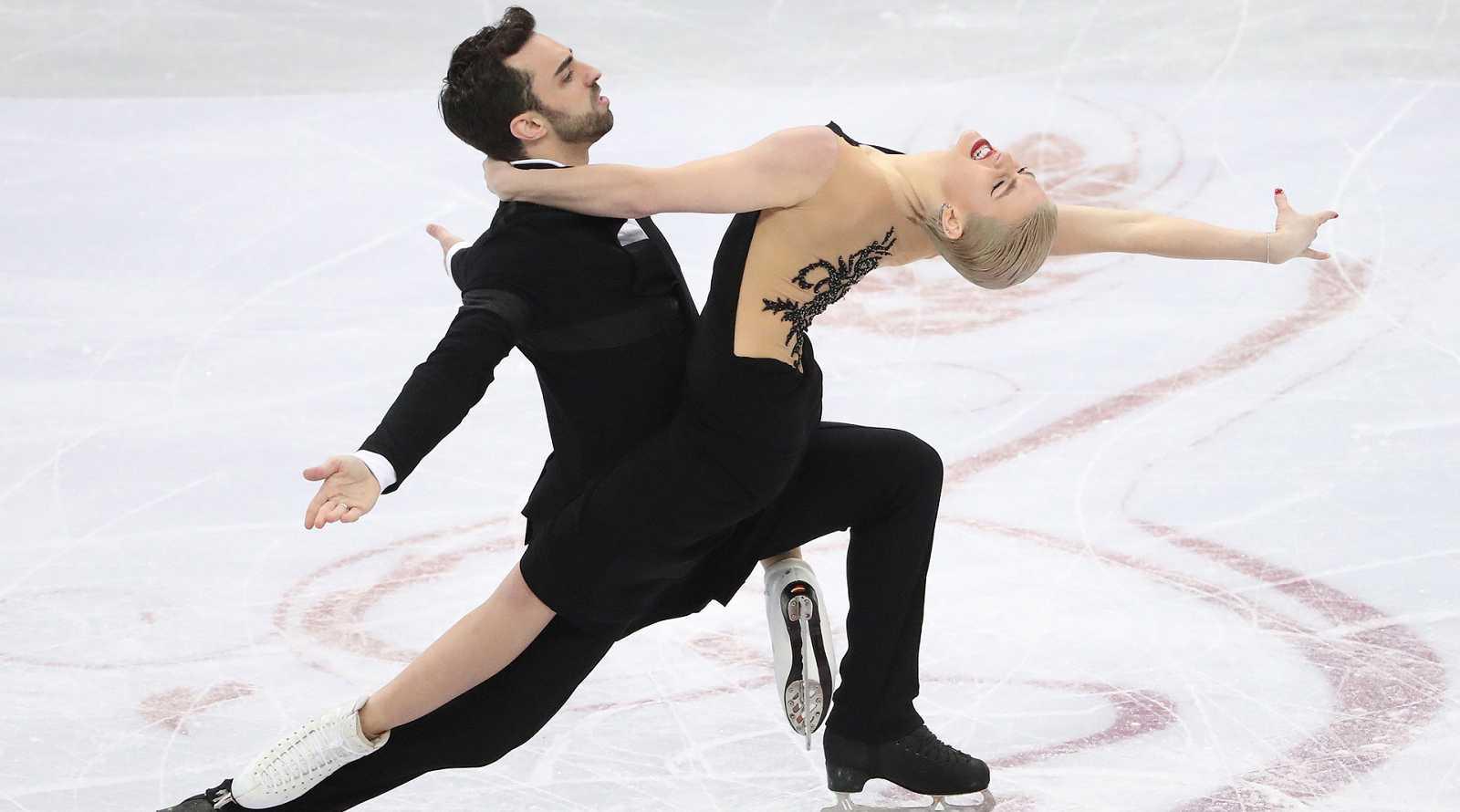 Tras quedar sextos y octavos respectivamente, las parejas formadas por Smart y Díaz, y Hurtado y Jalyavin, se han clasificado para el programa libre de este sábado en el Europeo de patinaje.
