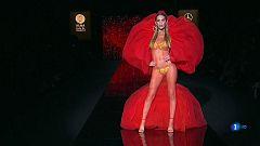 Corazón - Ángela Ponce desfila para Andrés Sardá en la Madrid Fashion Week