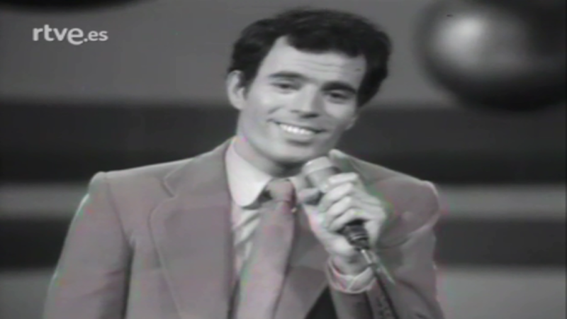 """Festival de Eurovisión 1970 - Julio Iglesias cantó """"Gwendolyne"""""""