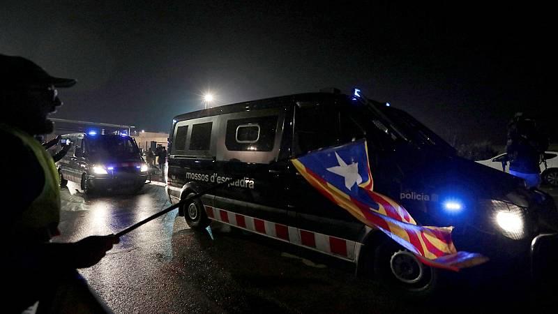 Los presos independentistas son trasladados a Brians para partir hacia Madrid