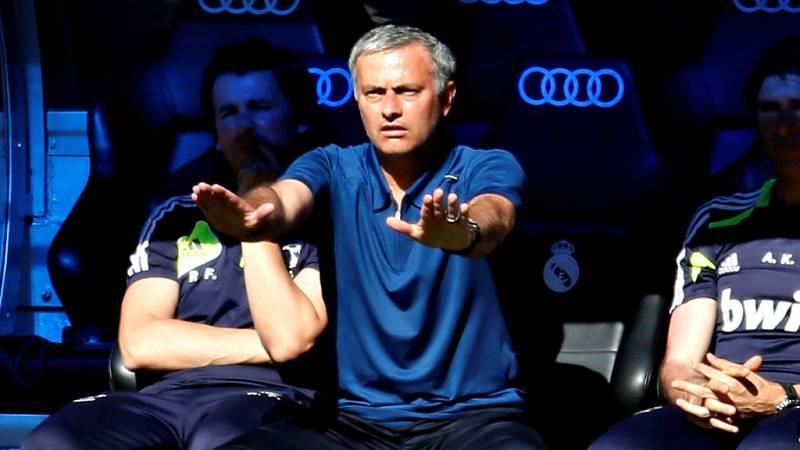 El exentrenador del Real Madrid Jose Mourinho ha aceptado la pena de un año de pisión y una multa por fraude fiscal, que le ha sido impuesto por el Juzgado de Instrucción nº4 de Pozuelo de Alarcón (Madrid).