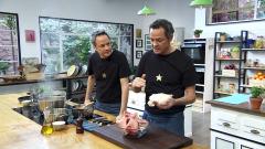 Torres en la cocina - Flan de cebolla con trufa y presa perigueux