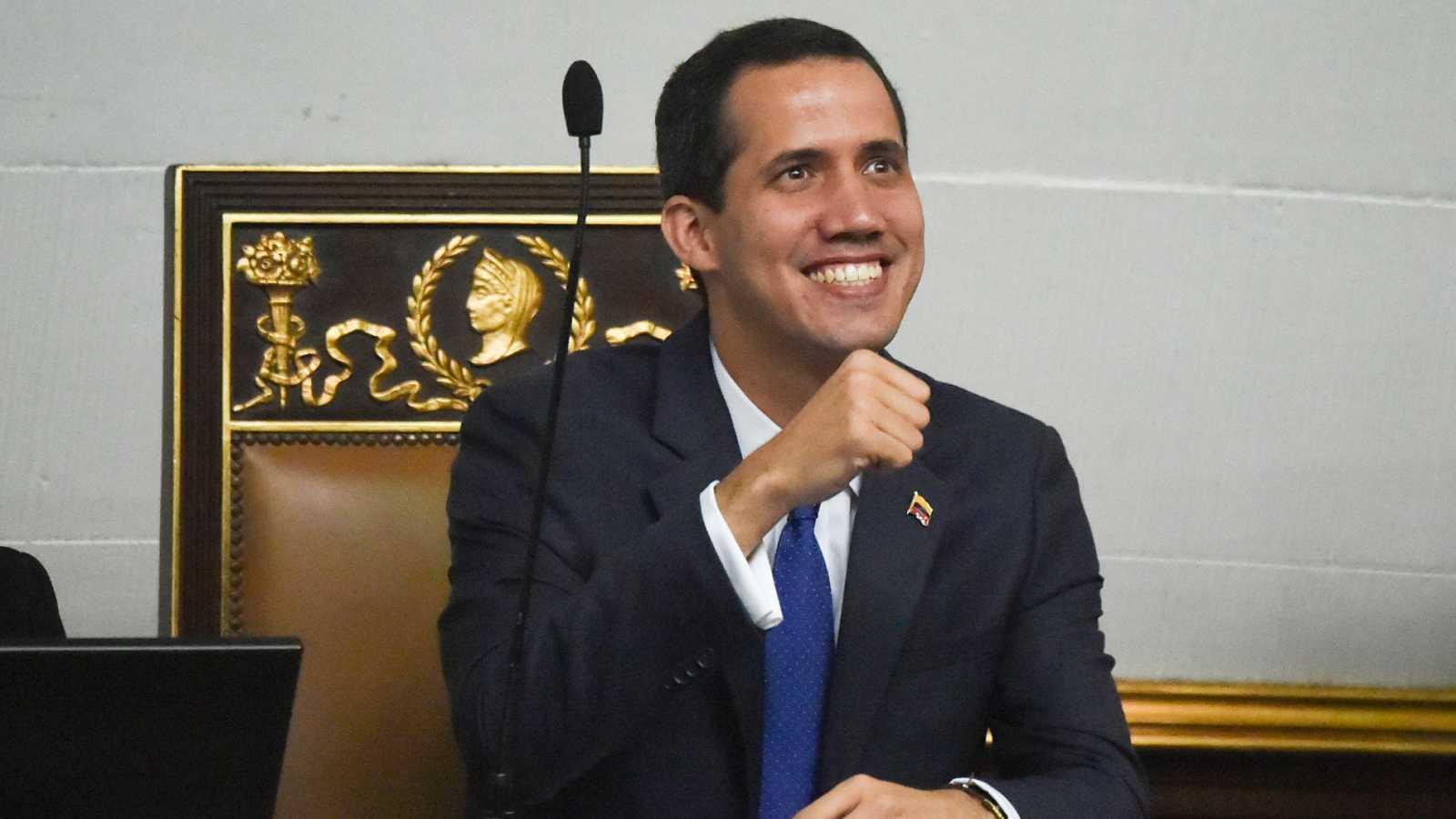 La Asamblea Nacional opositora fija la hoja de ruta para derrocar a Maduro