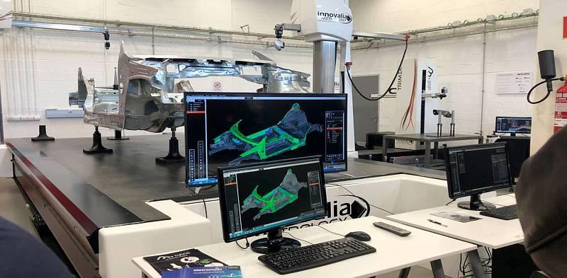 El MSI se ha dotado de un completo parque tecnológico con cuya maquinaria los ingenieros y mecánicos son capaces de fabricar cualquier pieza o componente de un coche de competición. También las piezas de fibra de carbono, que se hacen con una autocla