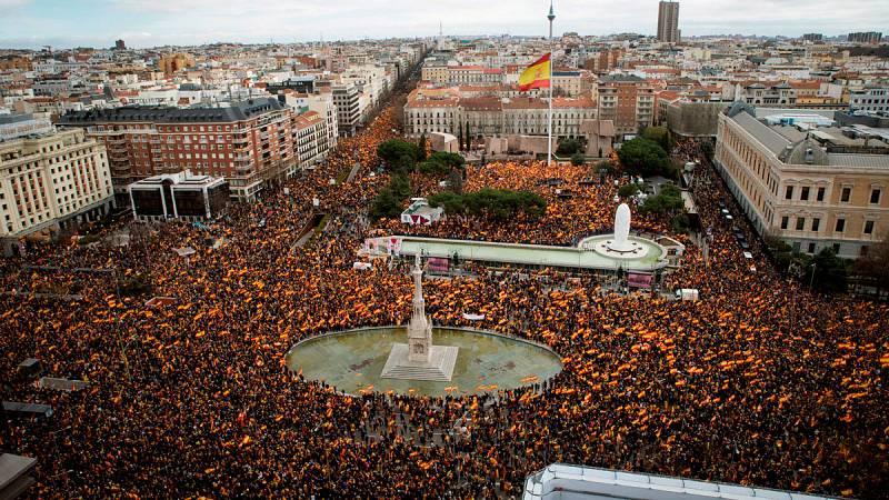 Decenas de autobuses han llegado hasta la concentración de Colón - Ver ahora