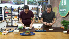 Torres en la cocina - Mollete con huevo y rollos de canela