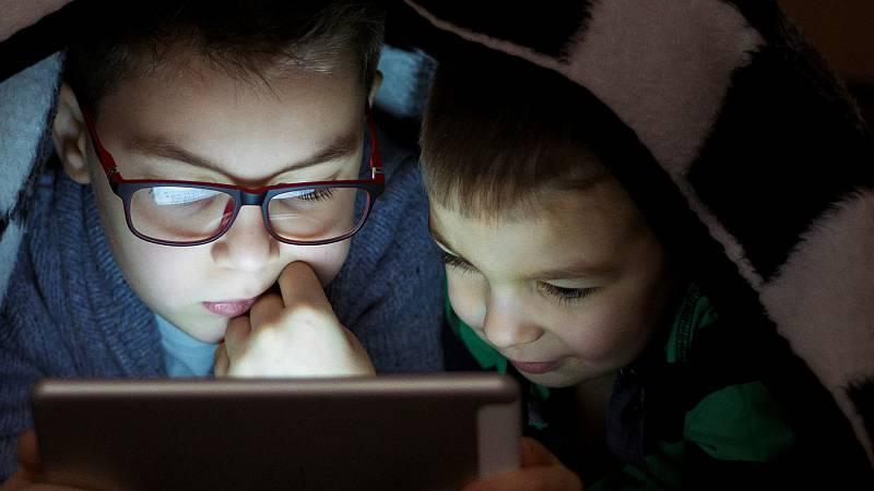 Los riesgos del acceso de los menores a la pornografía