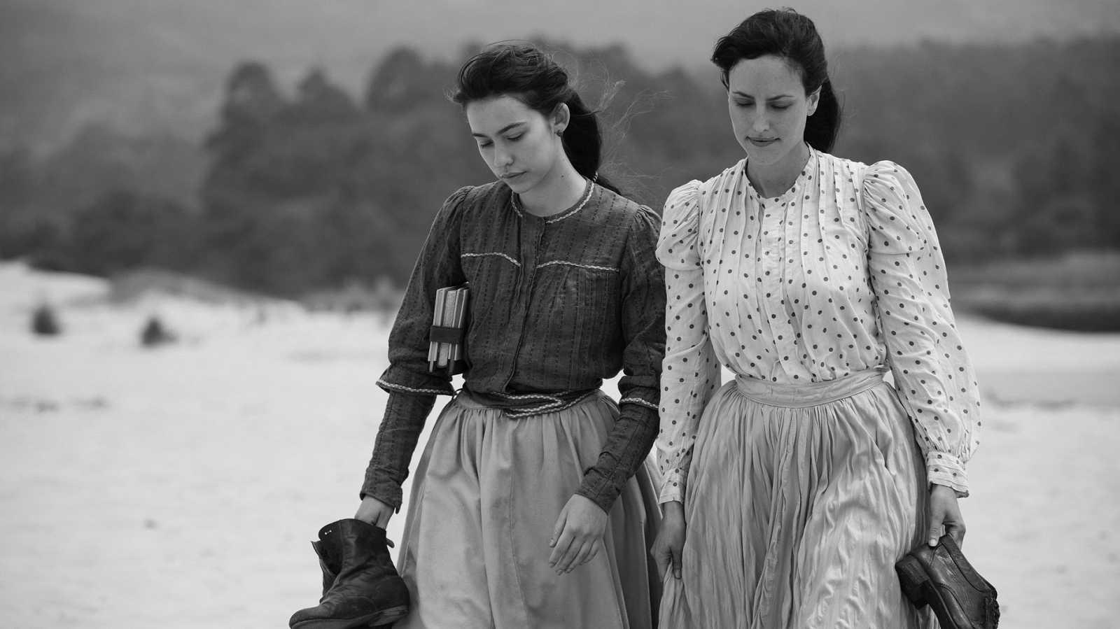 Coixet presenta en la Berlinale 'Elisa y Marcela', dos mujeres que lograron casarse en la Galicia de 1901