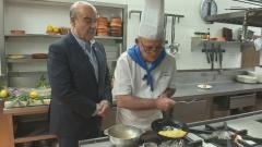 Aquí la tierra - Antonio Resines y la tortilla de huevos ecológicos