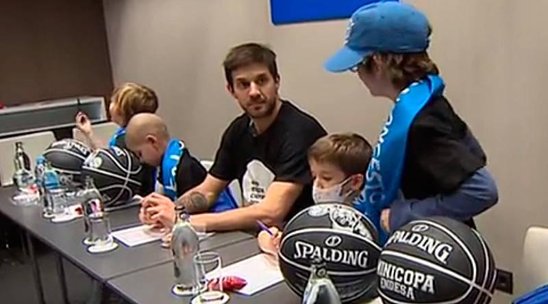 La magia de la Copa del Rey de baloncesto ya se respira en Madrid, donde algunos de sus protagonistas han pasado por los micrófonos de Radio Pelona, un proyecto de la Fundación Unoentrecienmil, que da voz a los niños hospitalizados por cáncer.