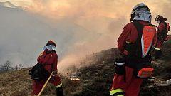 Continúa la lucha contra los incendios forestales en Cantabria