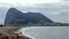 Audios de la radio del patrullero español en los que sugiere a los barcos que abandonen las aguas
