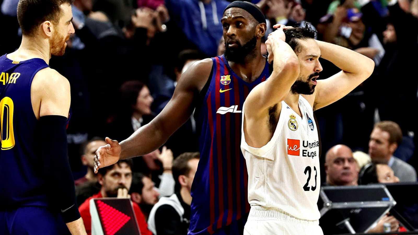 Los árbitros de la polémica final de la Copa del Rey de baloncesto jugada el domingo entre el Barça y el Real Madrid reflejaron en el acta los insultos de los jugadores madridistas Felipe Reyes y Facundo Campazzo y, como es preceptivo en estos casos,