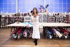 Maestros de la Costura: Miranda Makaroff y Belén Hostalet se prueban los vestidos de los aprendices