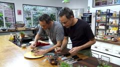 Torres en la cocina - Ensalada de habas y salmón con berenjenas