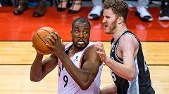 Ibaka le roba el protagonismo a los Gasol en el Raptors-Spurs