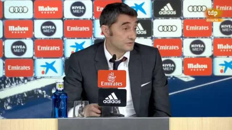 """Ernesto Valverde, entrenador del FC Barcelona, avisó hoy de que """"nada está decidido todavía"""" en la Liga española a pesar de su triunfo ante el Real Madrid (0-1) que le distancia en doce puntos de su eterno rival."""