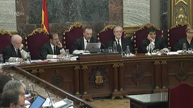 La secretaria judicial del registro de Economía el 20S relata cómo salió por la azotea descolgándose por un murete