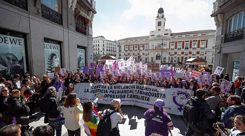 Huelga 8-M: Miles de estudiantes participan en las manifestaciones