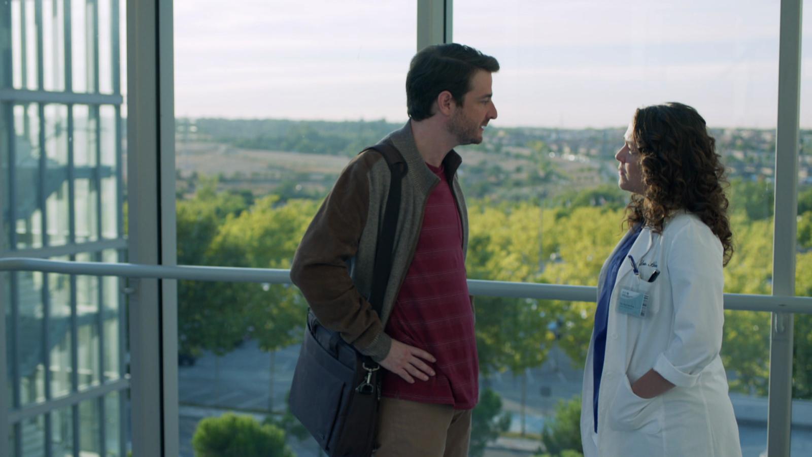 Hospital Valle Norte - Marta y Pablo discuten por el embarazo