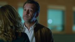 Hospital Valle Norte - Héctor le dice a Elena que va a irse a África