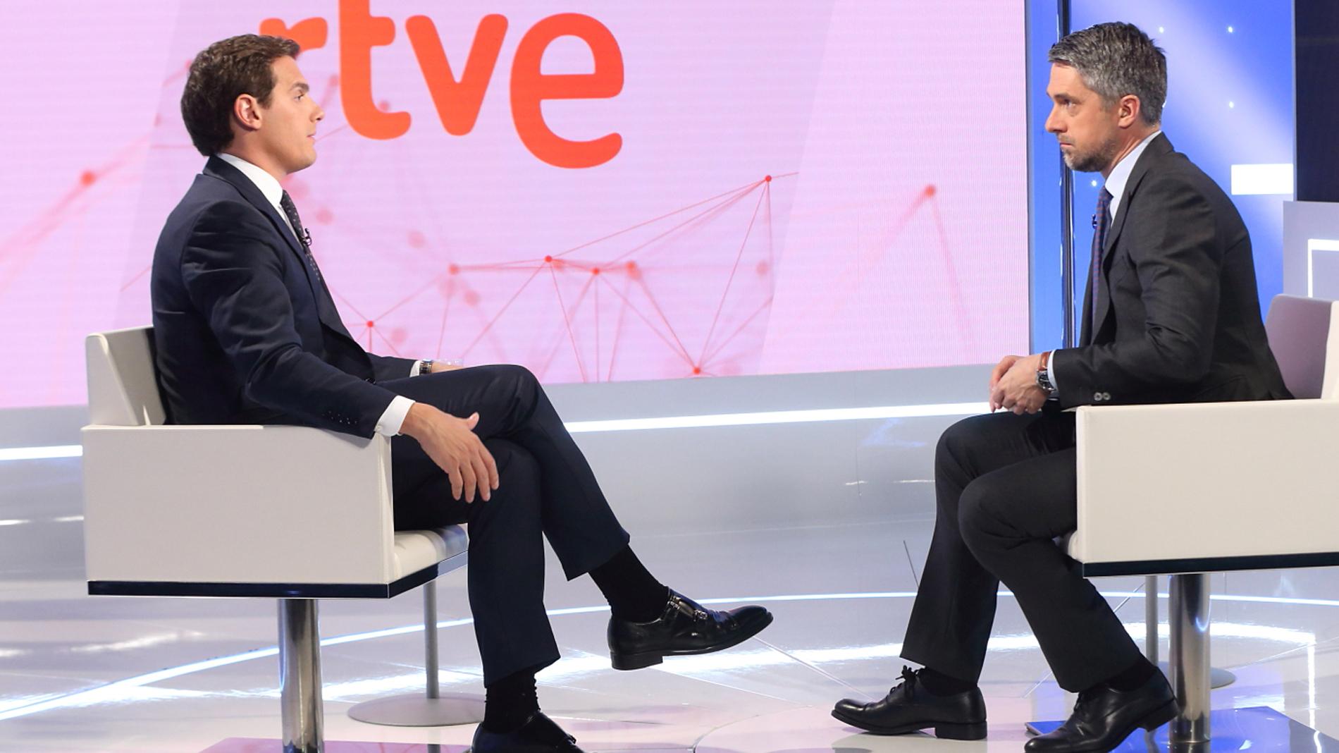 """Resultado de imagen de Albert Rivera en TVE: """"No es normal que haya al frente del PSOE un señor que no tiene escrúpulos"""""""