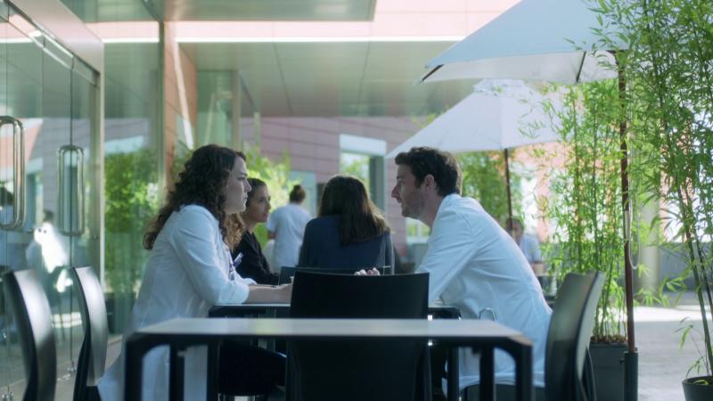 Hospital Valle Norte - Pablo le pide a Marta que vaya a su boda