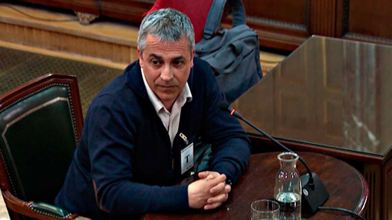 Un proveedor de carteles del 1-O declara que le dijeron que la factura debían girarla a la Generalitat