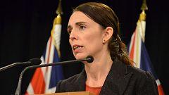 La primera ministra de Nueva Zelanda se ha comprometido a cambiar las leyes sobre tenencia de armas.