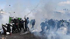 Incidentes violentos en una nueva protesta de los chalecos amarillos en París