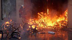 Icendios y saqueos en la protesta de los 'chalecos amarillos' en París