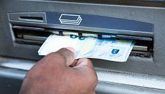 La Guardia Civil desarticula una banda que estafó a 550 personas mediante 'phishing'