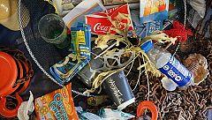 Para Todos La 2-Fabricar ropa y calzado con restos de plásticos. Ropa sostenible con ECOALF