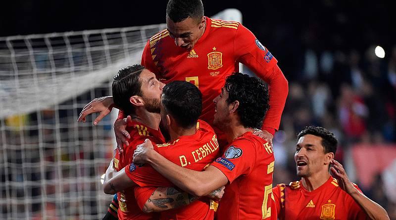 España supera a Noruega con oficio (2-1)