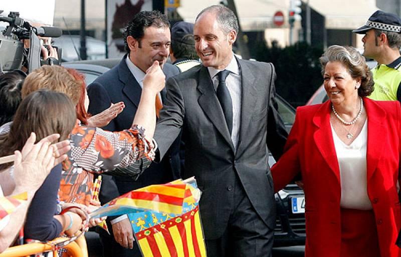 Camps llega al TSJ de Valencia para declarar por el caso Gürtel arropado por la alcaldesa Rita Barberá