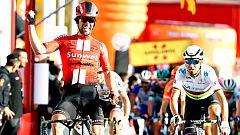 Michael Matthews gana un tenso pulso a Alejandro Valverde en la Volta