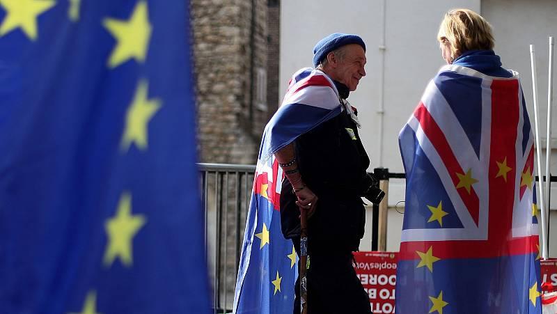 ¿Cómo afectaría un 'Brexit' sin acuerdo a los expatriados británicos y europeos?